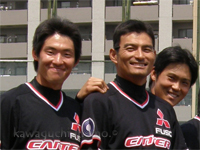 市川和樹選手と新保大輔選手(端っ子は勇選手)