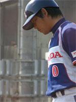 上田さんは三塁コーチャー