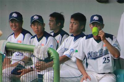 実は平野選手の目も怖いよ